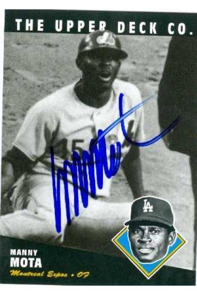 585653 Manny Mota Autographed Baseball Card - Los Angeles Dodgers Montreal Expos 1994 Upper Deck - No.139 All Time Heroes Bat