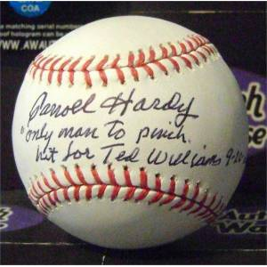 Autograph Warehouse 620468 Carroll Hardy Autographed Baseball - Inscribed Only Man to Pinch Hit for Ted Williams 9 20 60 - OMLB Red Sox Great Moment
