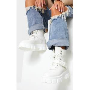 PrettyLittleThing White Extreme Chunky Sole Buckle Clasp Hiker Boots - White - Size: 5