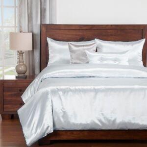 Ashley Furniture Siscovers Cinderella Blue Dove 6 Piece Queen Luxury Duvet Set, Pastel Blue