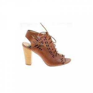 Vincent Cynthia Vincent Heels: Tan Solid Shoes - Size 9